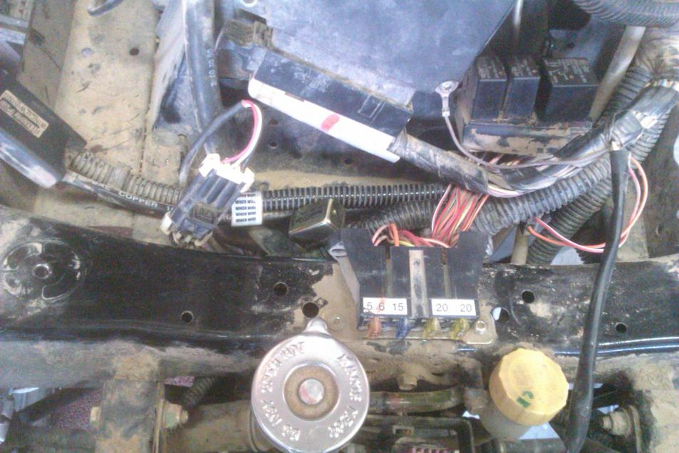 9059d1350139326 fan switch location 4 wheeler fix 003 fan switch location? polaris atv forum fuse box on 2004 polaris sportsman 500 at reclaimingppi.co