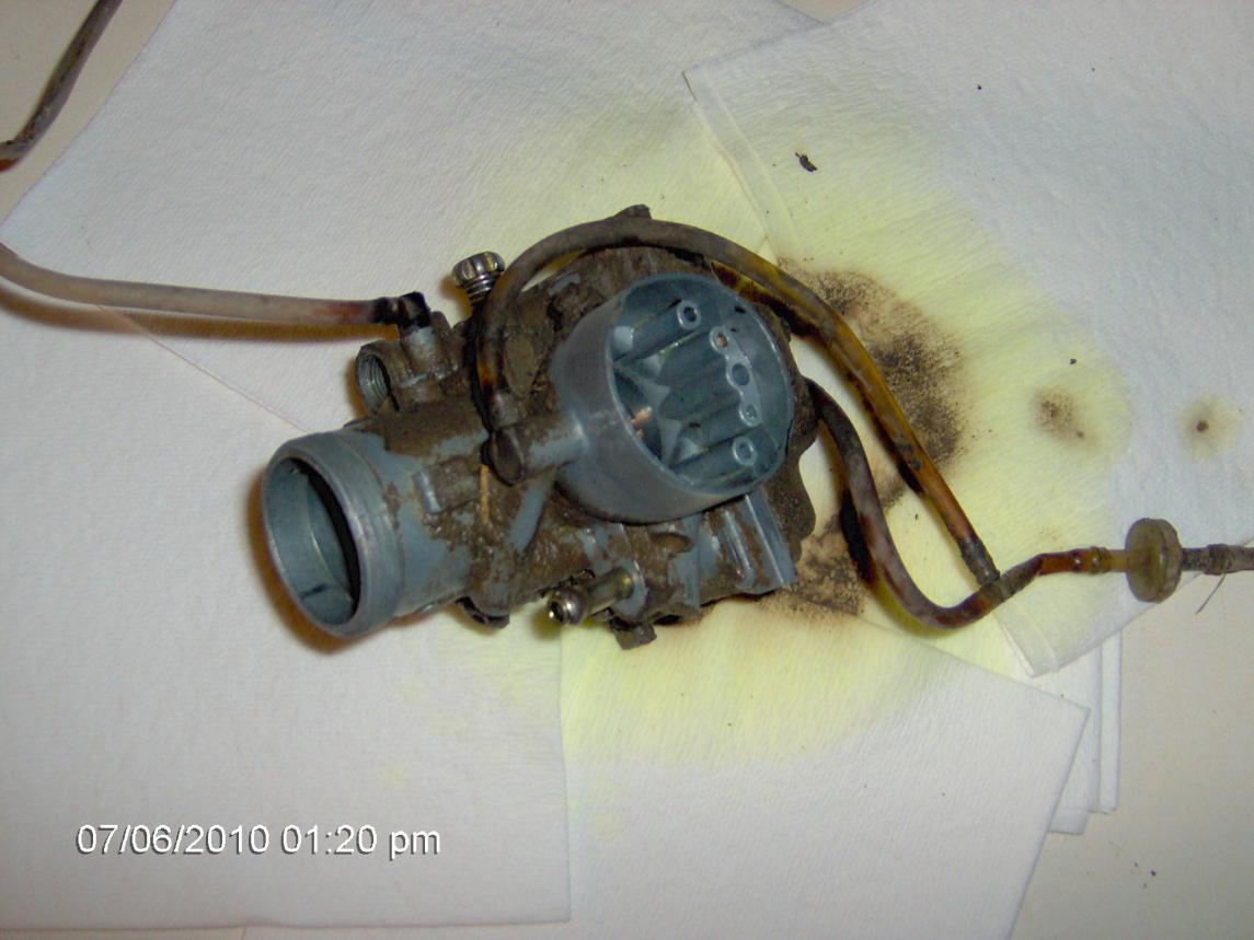 96 Xpress Carb ?'s...Where do these hoses go?-im000476.jpg