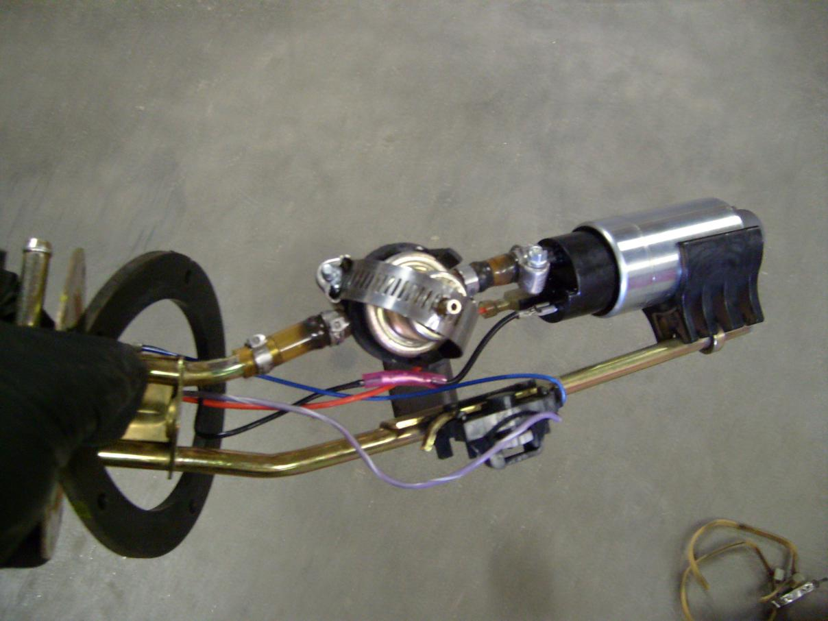 Troubleshooting 2006 Sportsman 700 Fuel Pump, Fuel Gauge, and Fuel Pressure Regulator-s7301162.jpg